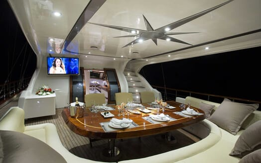 Sailing Yacht Alessandro outdoor dining