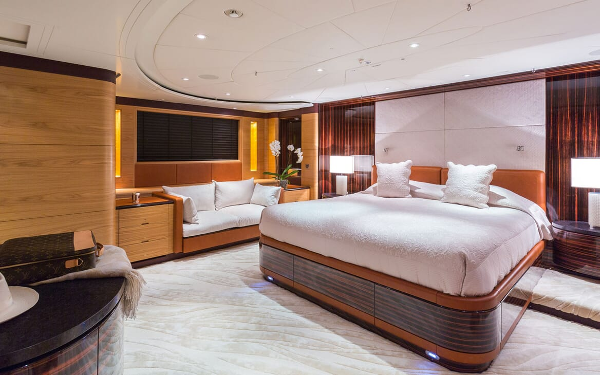 Sailing Yacht Q Master Stateroom
