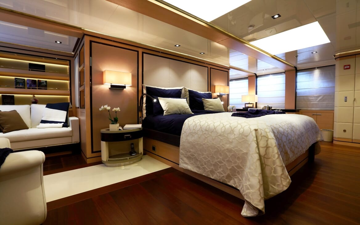 Motor Yacht 2 Ladies VIP cabin