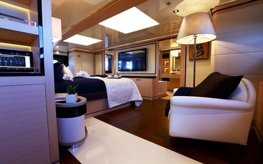 Motor Yacht 2 Ladies VIP stateroom