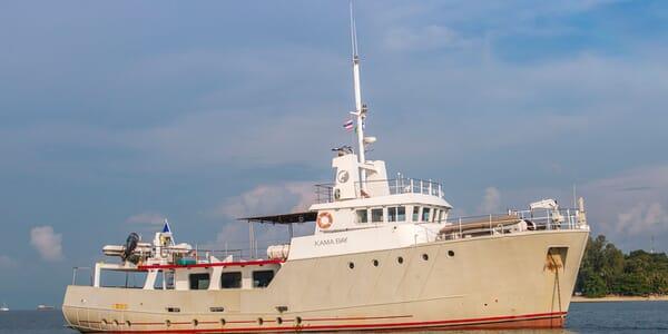 Motor Yacht Kama Bay exterior