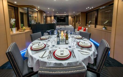 Motor Yacht Hooligan II Dining Table