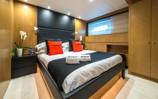 Motor Yacht Hooligan II Guest Double Stateroom