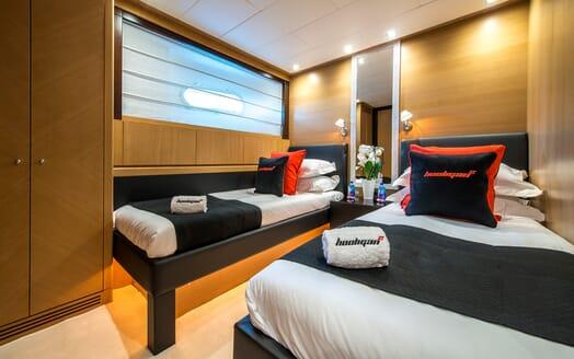 Motor Yacht Hooligan II Guest Twin Stateroom