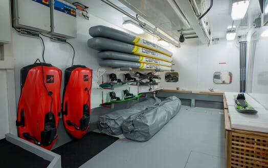 Motor Yacht Hooligan II Water Toys