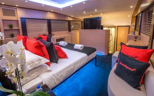 Motor Yacht Hooligan II Master Stateroom