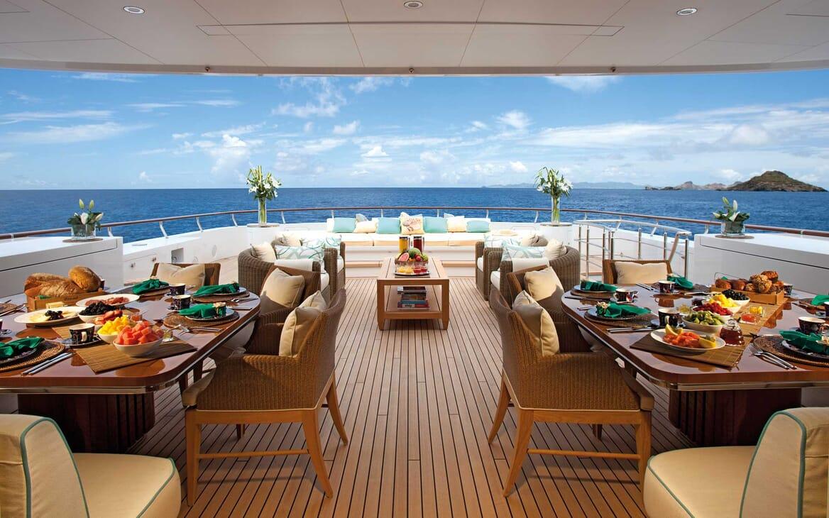 Motor Yacht Lady Britt main deck