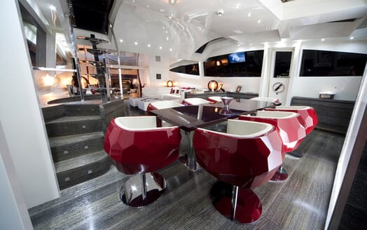 Motor Yacht Toby dining area