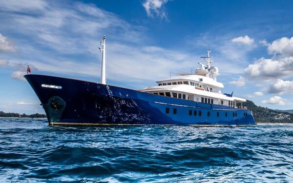 Motor yacht Northern Sun hero shot