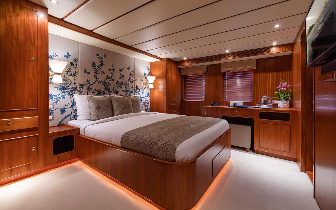 Motor Yacht NORTHERN SUN VIP Stateroom