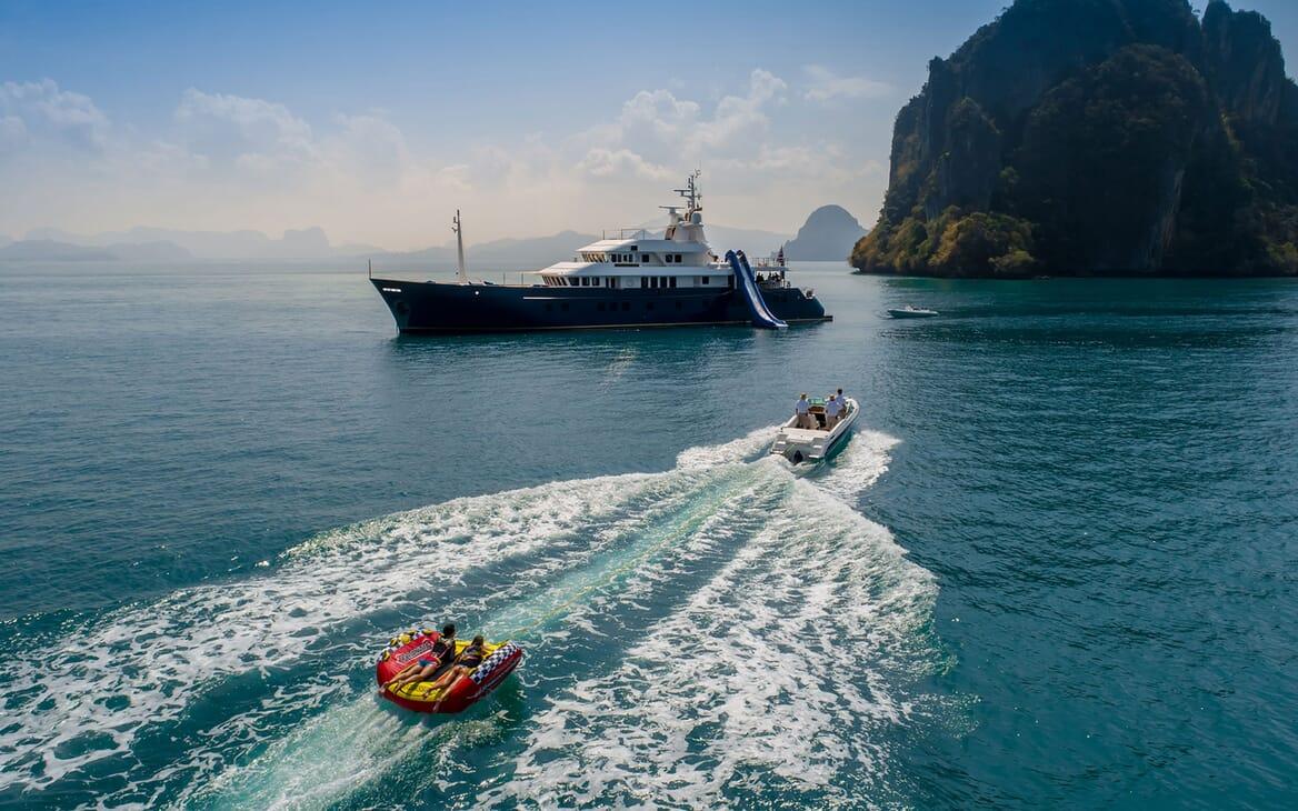 Motor Yacht NORTHERN SUN Inflatable Slide