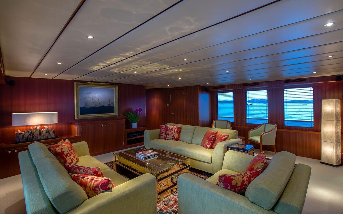 Motor Yacht NORTHERN SUN Main Deck Saloon