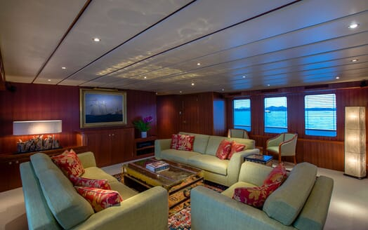 Motor Yacht NORTHERN SUN Main Deck Saloon