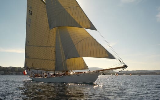 Sailing Yacht Moonbeam of Fife Profile
