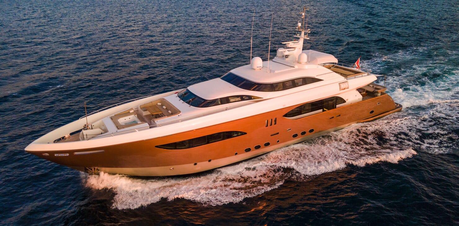 Motor Yacht Namaste 8