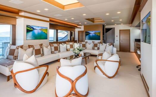 Motor Yacht Namaste 8 study