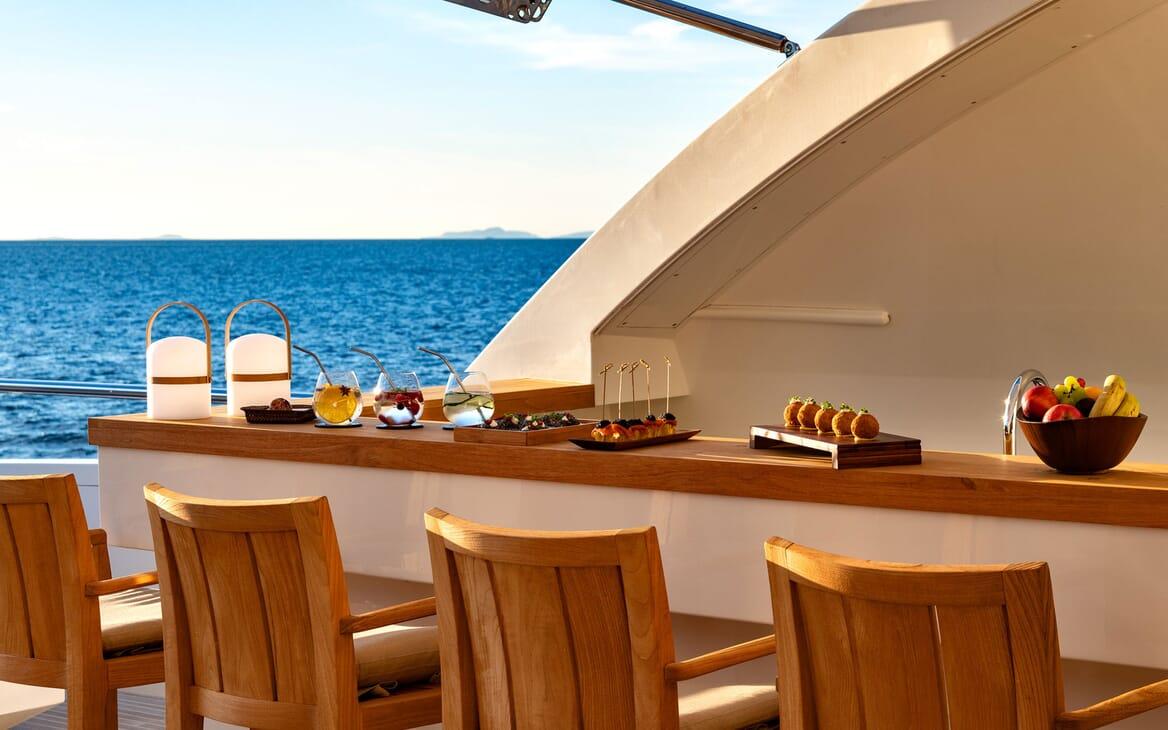 Motor Yacht Namaste 8 interior design