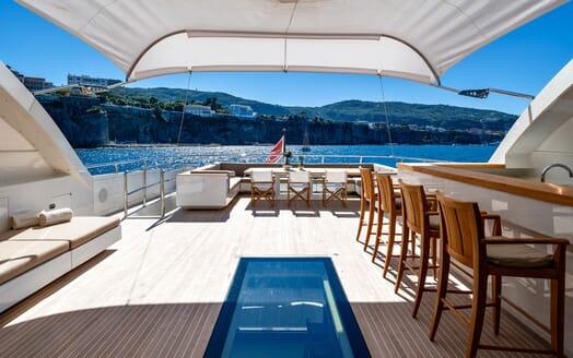 Motor Yacht Namaste 8 guest cabin