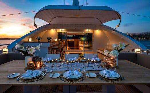 Motor Yacht Namaste 8 cruising