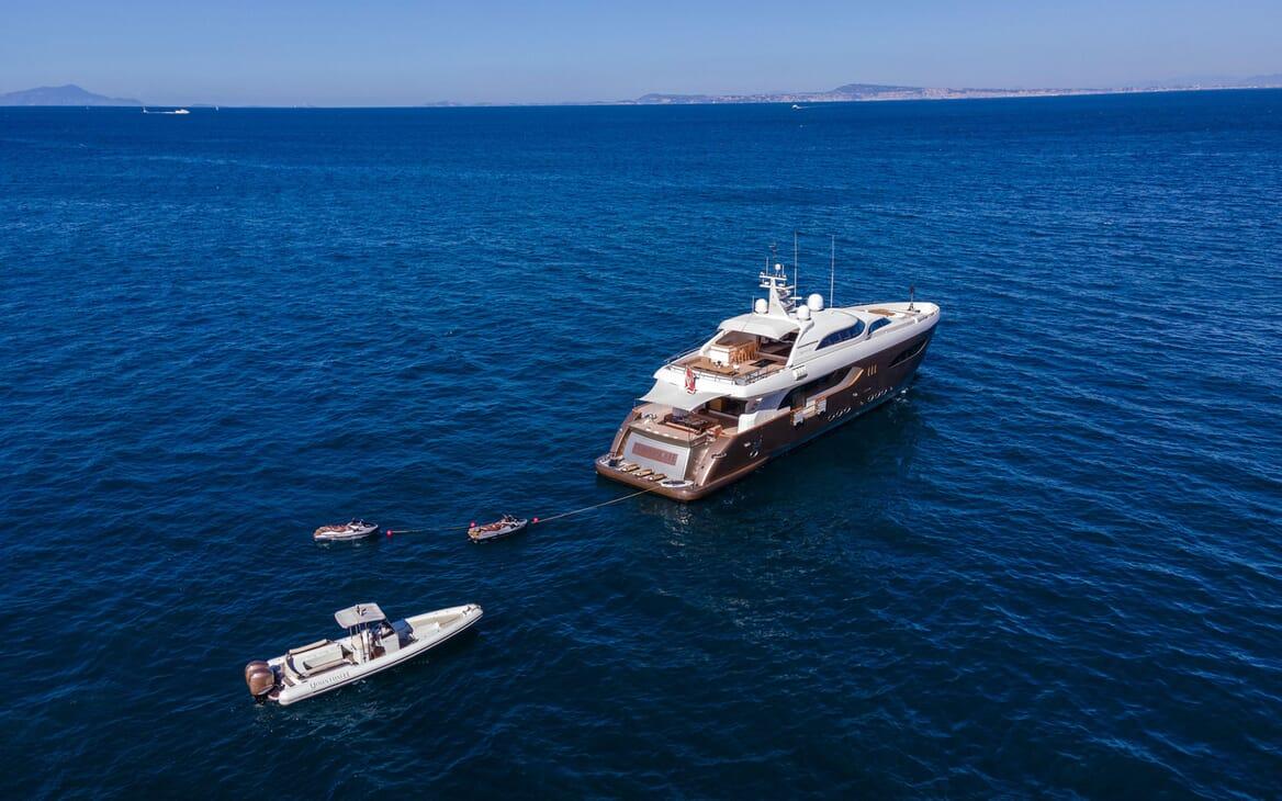 Motor Yacht Namaste 8 deck