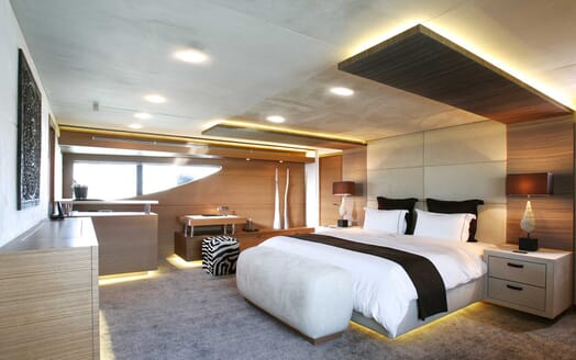 Motor Yacht Namaste 8 master cabin