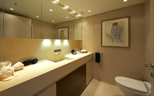 Motor Yacht Burkut washhroom