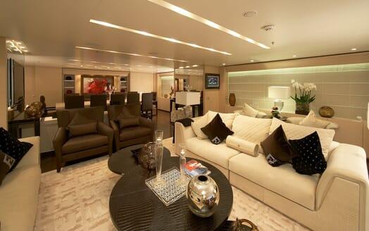 Motor Yacht Burkut saloon