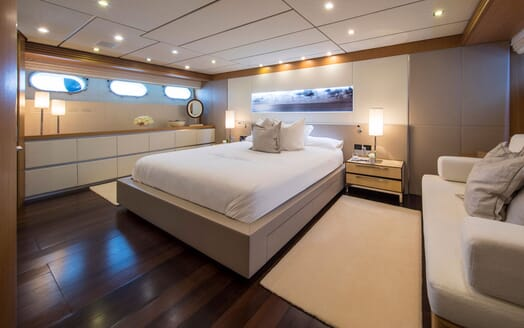 Motor Yacht ALWAYS BELIEVE Master Stateroom