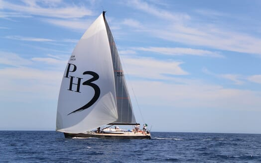 Sailing Yacht PH3 sailing