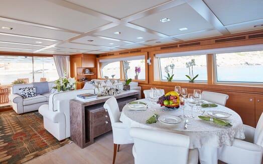Motor Yacht Deva living area
