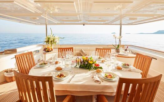 Motor Yacht Deva outdoor dining area