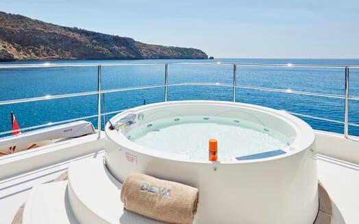 Motor Yacht Deva hot tub