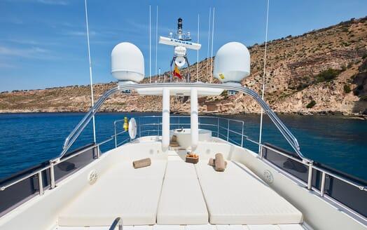 Motor Yacht Deva sun loungers
