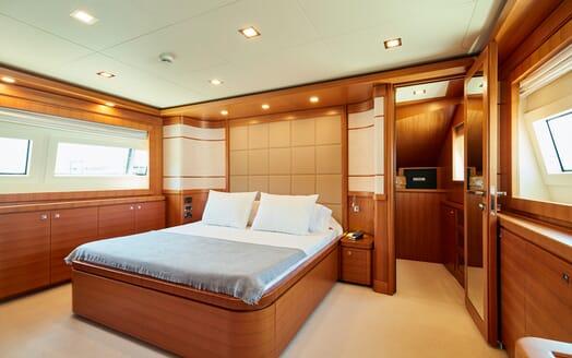 Motor Yacht Deva master cabin