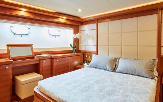 Motor Yacht Deva VIP cabin