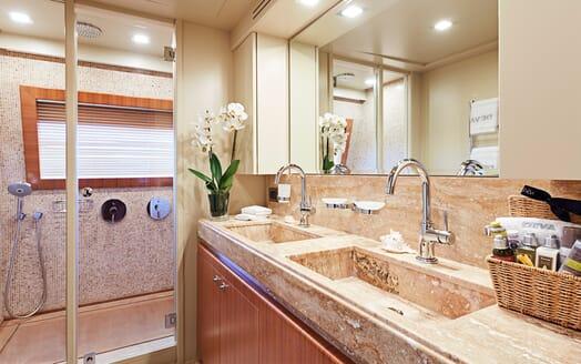 Motor Yacht Deva bathroom
