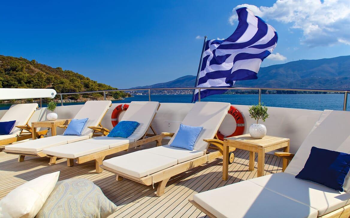 Motor Yacht MAGIX Aft Sun Loungers