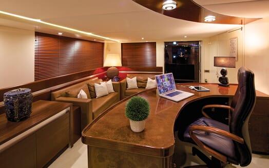 Motor Yacht MAGIX Study