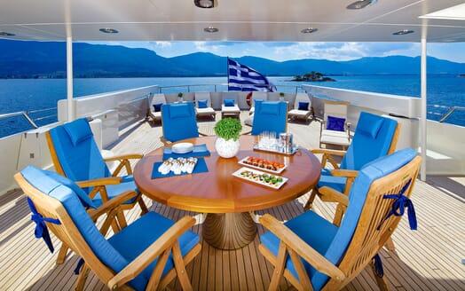 Motor Yacht MAGIX Upper Deck Dining Table