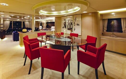 Motor Yacht MAGIX Main Saloon Dining Table