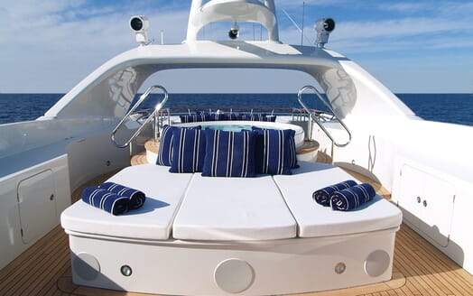 Motor Yacht Lady Dee sun deck