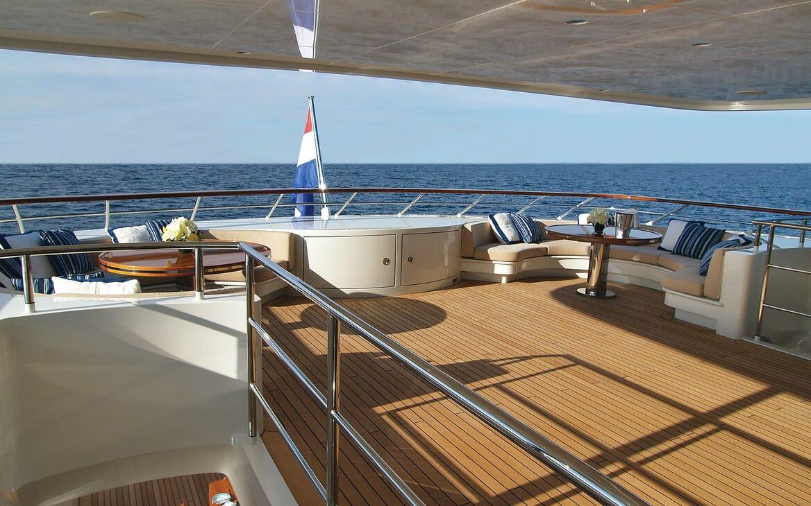 Motor Yacht Lady Dee main deck