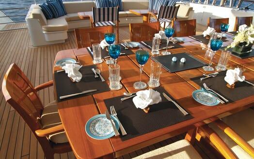 Motor Yacht Lady Dee al fresco dining