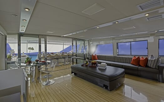 Motor Yacht First Home saloon