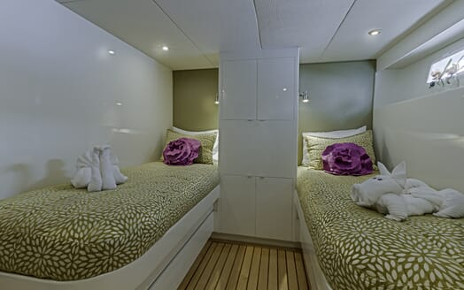 Motor Yacht First Home twin stateroom