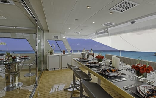 Motor Yacht First Home al fresco dining