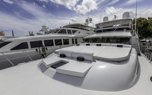 Motor Yacht First Home foredeck