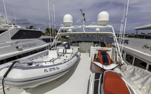 Motor Yacht First Home temder
