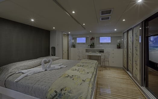 Motor Yacht First Home master cabin