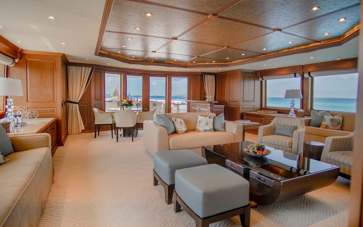 Motor Yacht PURE BLISS Upper Deck Salon
